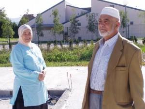 Ahmed DAHMANI et son épouse en 2007, à l'emplacement de la future mosquée de Planoise.